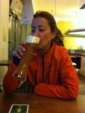 Euro-Diversion 2013 La vuelta a Europa en Moto.ETAPA 8 Amsterdam-Hamburgo Degustando una cerveza