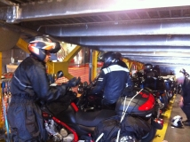 Euro-Diversion 2013 La vuelta a Europa en Moto.ETAPA 9 Hamburgo-Hirtsals-Kristiansand Hay que amarrar la moto01