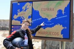 Euro-Diversion-2013-La-vuelta-a-Europa-en-Moto.PROLOGO.-Tarifa-Sevilla-Tarifa.-M-Carmen-en-el-punto-más-al-sur-de-Europa